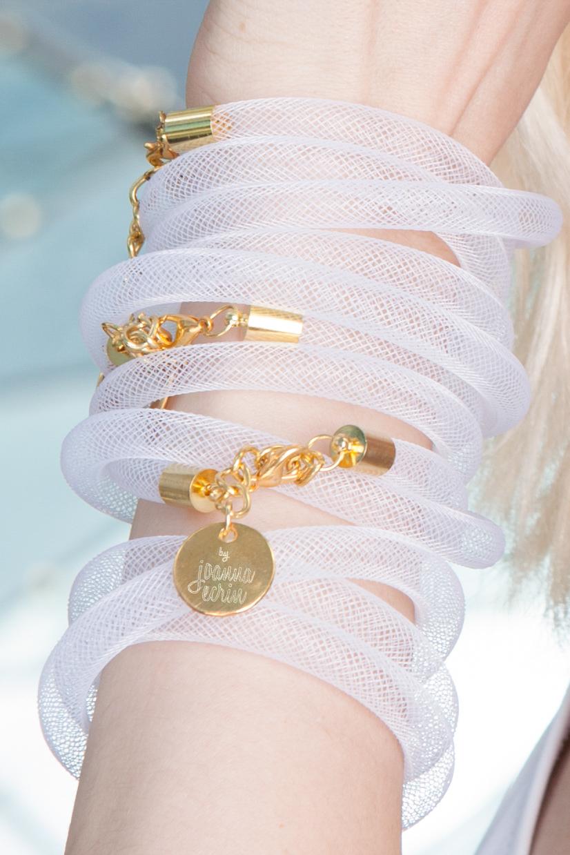 Fotografia reklamowa biżuterii Joanna Ecrin 158