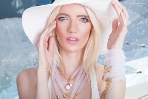 Fotografia reklamowa biżuterii Joanna Ecrin 156