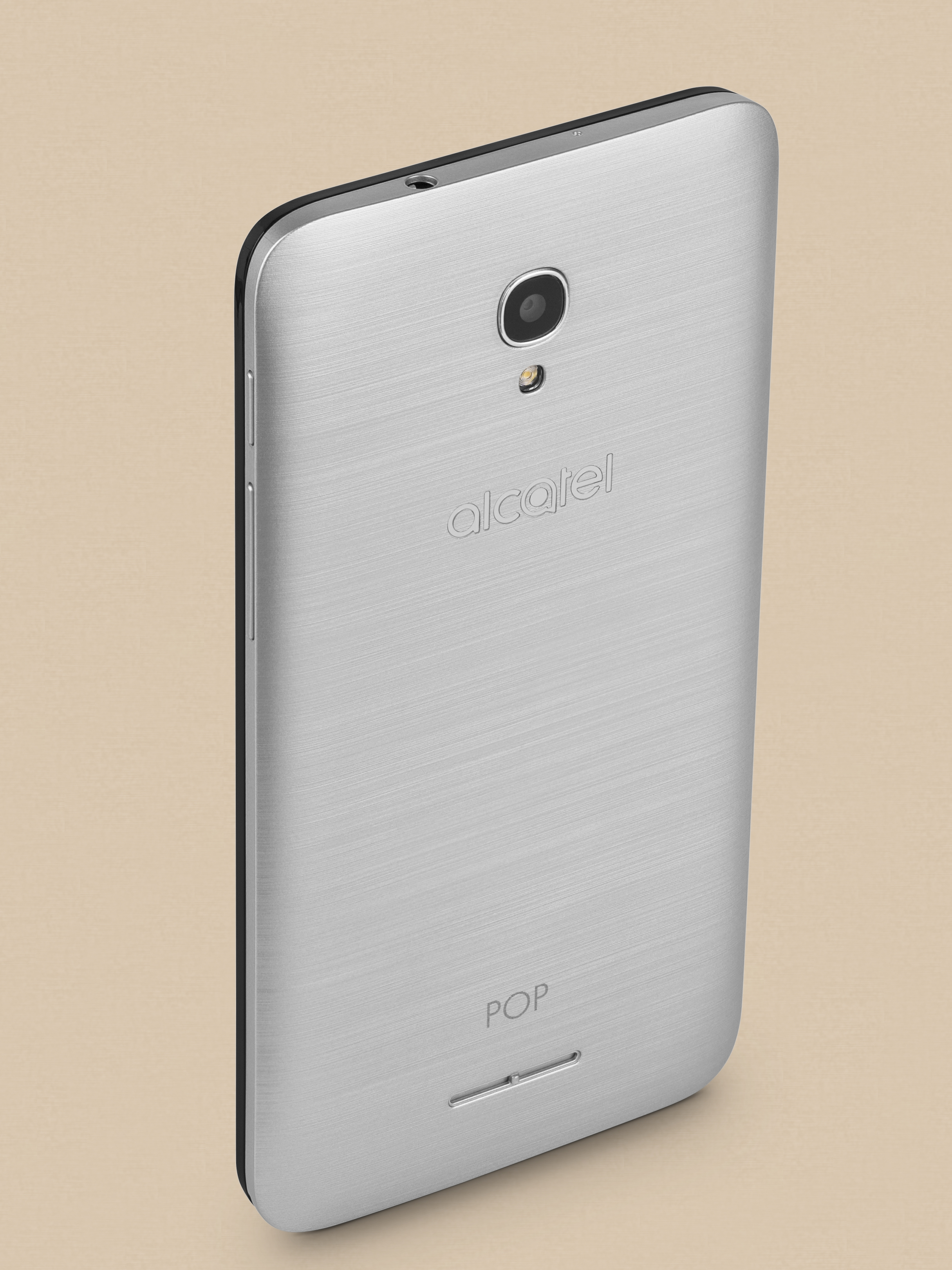 Packshoty dla firmy Alcatel ukazujące wygląd telefonów